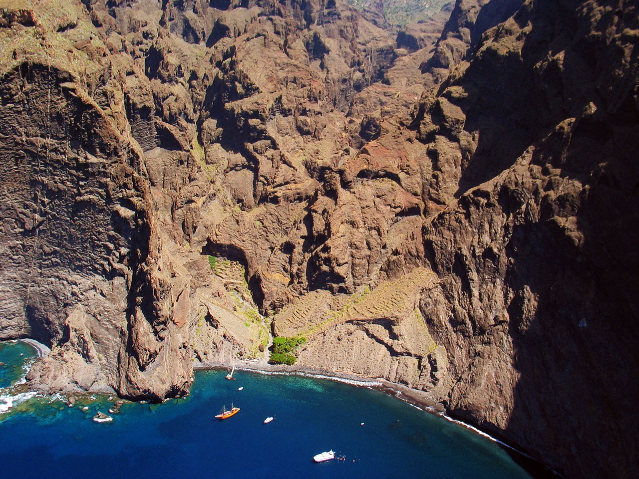 Imagen Barranco de Masca visto desde el mar